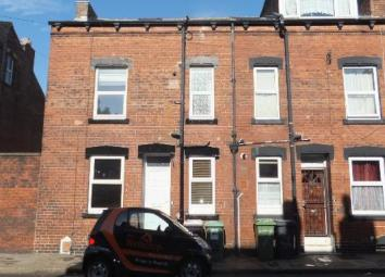 Jane Wetherop Rentals are pleased to offer TO-LET this stunning FULLY FURNISHED 2 Double bedroom Victorian Terraced property in upper Armley Leeds. The property benefits from Fully Furnished Gas Central Heating Double Glazing Cul –de –sac Location Ba...