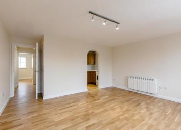 Available - 16th September 2017 The images used are from a similar flat in the same building. Akelius are excited to present this new to the market this 2 bedroom apartment refurbished. It will offer a contemporary and modern decor with a modern bath...