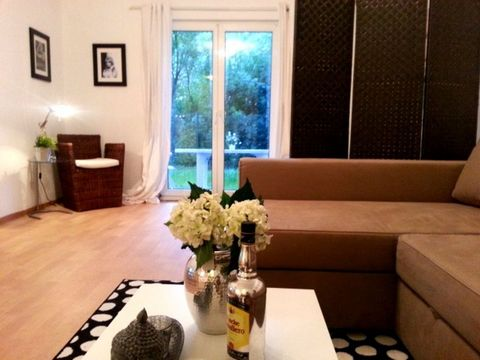 Located in Essen. Sublet.com Listing ID 3501411. For more information and pictures visit https:// ... /rent.asp and enter listing ID 3501411. Contact Sublet.com at ... if you have questions.