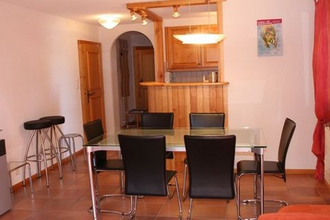 Description 2 bedroom, Typ E, 6 people, 60m2, sauna, fitness, solarium (paying), large living with bedsofa and dining area, kitchen with dishwasher, bathroom with tub, toilet and sink, 2 bedrooms. South terrasse-balcony, 1 outdoor parking place. Addi...
