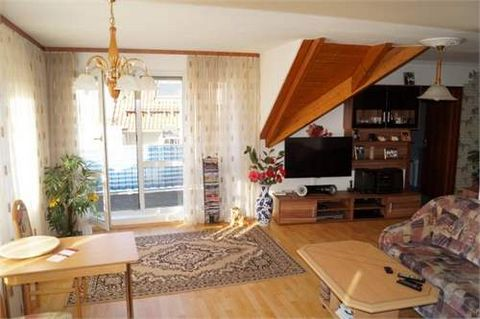 Nice and cozy condo in a central location by the river Neckar.The property is less than 1 h away fromthe airport of Stuttgart. Windows are South West oriented, making for a warm light on the inside. The parking spot is price included. The kitchen h...