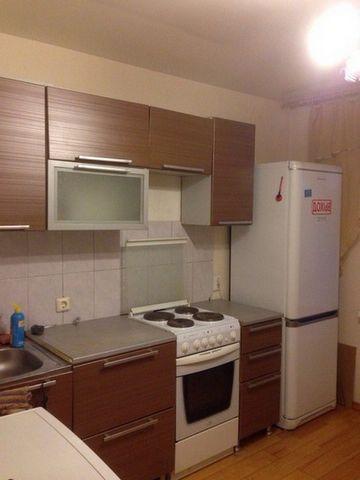 Сдам 1 комнатную квартиру недалеко от метро Гражданский пр.В квартире сделан качественный ремонт,есть все необходимое оборудование и мебель.Квартира очень теплая,уютная,благоустроенный двор,развитая инфраструктура,рядом магазины, ТРК, КАД, Сбербанк,ш...