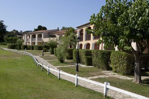 Parcs de Grimaud is part of a pedestrian only, 16 hectare landscaped estate between the Maures massif and the Mediterranean: cork oaks, mimosas, maritime pines, cedars, flowering shrubs, a long palm-lined walk and a restored pergola make up the garde...