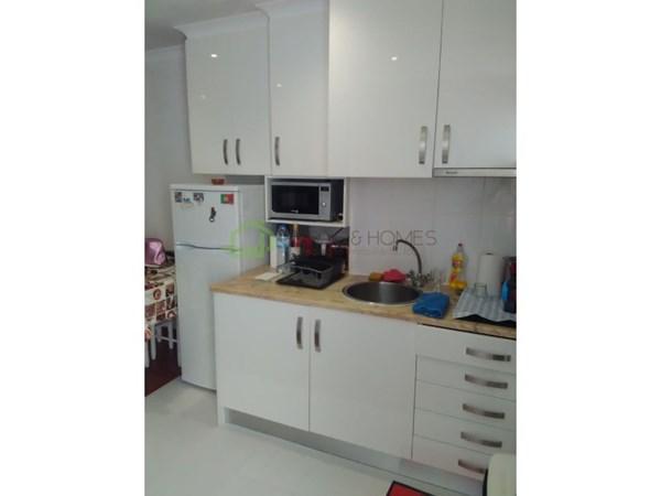 Excellent apartment fully refurbished, located in Praia da Rocha at about 200 m from Praia da Rocha