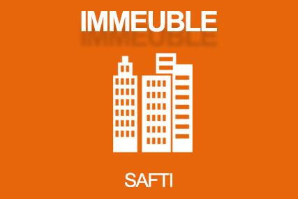 Situé au centre ville de Louhans, accès tous commerces, Poste et autres commodités, cet immeuble entièrement rénovée et loué, vous offre un rendement immédiat de plus de 7%. Cinq logements, 1 T1 de 36m2, 1 T2 de 44m2, 1 T3 de 51m2, 1 T4 de 70m2, 1 St...