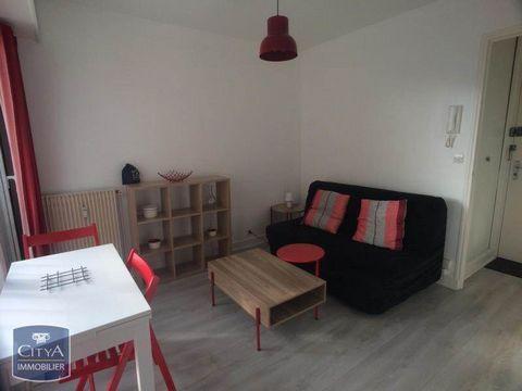 Venez visiter ce bel appartement meublé en location à Orléans. Ce studio est situé au quai St Laurent dans un cadre très agréable en bords de Loire. Il a une superficie totale de 14m² et est composé d'une entrée avec placard, une pièces principale, u...