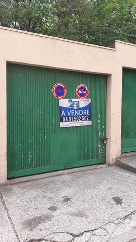 En Exclusivité Garage fermé de 14 m² dans une résidence sécurisée de la Rose. Contactez nous ! (MC)