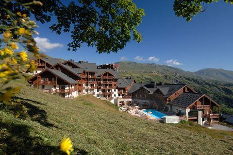 La Résidence, composée de 3 chalets, est située au pied d'une pente de ski du domaine skiable de la station de Corbier, à 50 mètres de l'ascenseur le plus proche de la chaise et le bureau des forfaits de ski et à 300 mètres des premiers commerces de ...