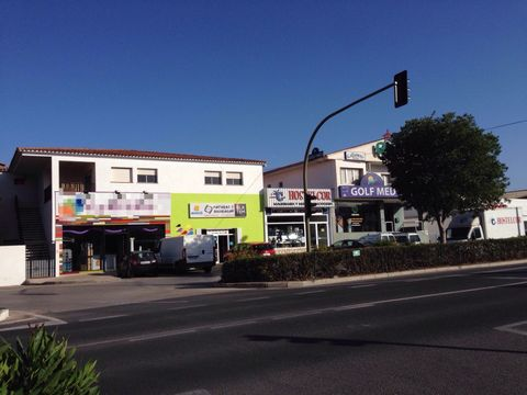 COMMERCIAL IN ALTEA WITH LARGE FACADES, IN FIRST LINE INDUSTRIAL ESTATE. It is located in a strategic location as it is located on National Highway 332 near Albir, Alfaz, and Benidorm. The commercial has offices, toilet, storage and rear discharge fo...