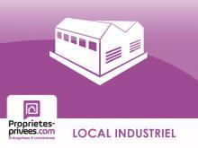 poissy (78300)- bâtiment industriel de 9600 m² sur une parcelle de 36 000m² datant de 1991 comprenant : 8100m² à usage d'atelier et stockage en r.d.c, 1500m² à usage de bureaux en r.d.c y compris locaux sociaux, vestiaires et réfectoire et 240 emplac...