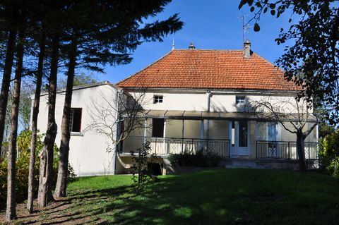 Maison avec grange en pierre et terrain constructible