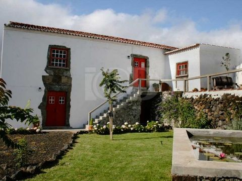 The 'Casa da Borboleta' (or House of the Butterfly) is a centennial buyilding located on the north of Terceira Island in the parish of Biscoitos near the ocean in the middle of the Protected Landscape of the Vines of Biscoitos. The first known mentio...