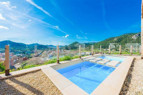 Casa moderna con piscina privada y vistas espectaculares al pueblo de Andratx y las montañas, ideal para 2 a 3 personas. El propietario de esta casa ha logrado unir un estilo chic con elementos rústicos, creando un hogar único para nuestros huéspedes...