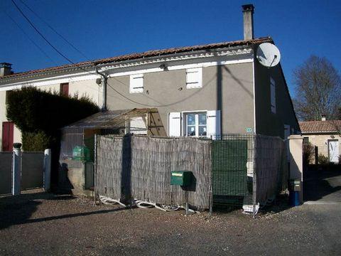 Cuisine équipée-séjour, 2 chambres, salle d'eau, WC indépendant double garage, bucher et dépendance Terrain de 1424 m2
