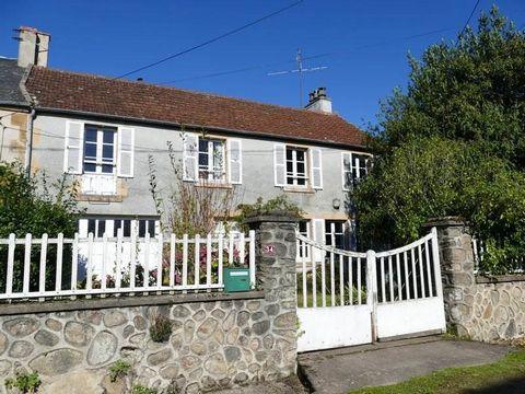 Bénéficiant d'un très beau point de vue sur la campagne environnante, cette maison atypique est bien située dans petit hameau à quelques kilomètres de Vézelay et à proximité des rivières, forêts et lacs du Morvan. Elle comprend : entrée, séjour avec ...