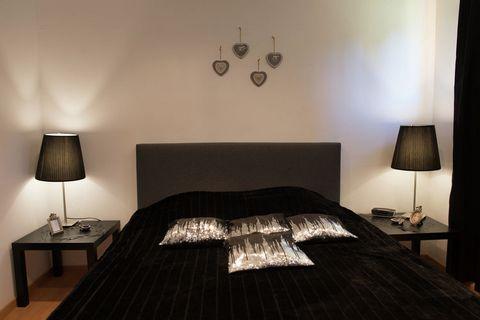 Le Ny d'Ange est une luxueuse maison de vacances familiale située dans l'une des plus jolies vallées des Ardennes. La maison porte bien son nom (nid d'ange) car en effet la décoration intérieure est à la fois romantique et dans des tons doux qui rend...