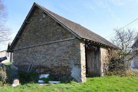 Dans un environnement privilégié, grange à rénover offrant environ 86 m² au sol, avec un terrain d'environ 1500 m².