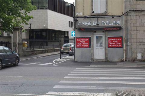Annonce rédigée par Karine TRAUCHESSEC ... SANS FRAIS D'AGENCE! Murs + fond de commerce + mobilier Belle opportunité, le café du palais est à vendre pour 170 000?. Situé au bord des quais, à côté du palais de justice, c'est un emplacement de choix. D...