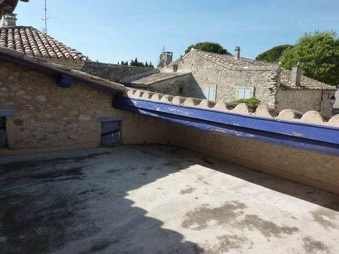 Maison de village avec terrasse et belles caves Idéal premier achat ou pied à terre pour résidence secondaire Bon ensoleillement