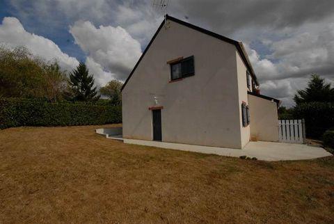 Une visite s'impose pour cette maison lumineuse offrant : salon-séjour donnant sur terrasse, cuisine aménagée, 3 chambres, wc, salle d'eau, garage. Terrain clos de 346 m² .
