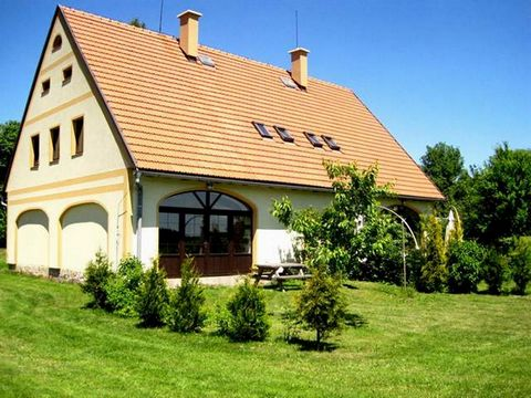 On the outskirts of the village of Vernerovice, 40 km east of the Giant Mountains, in close proximity to shopping and a restaurant (300 m) lie these two new apartments plus a mini camping area. The 2 apartments are part of an old barn (over 100 years...