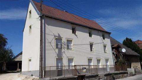 BONDEVAL - EXCLUSIF A 15 minutes de Montbéliard, dans petit immeuble de 3 appartements, F3 au 1er étage à rafraîchir. Le prix comprend les travaux suivants qui seront pris en charge par le propriétaire façade, nettoyage et mise en peinture des commun...