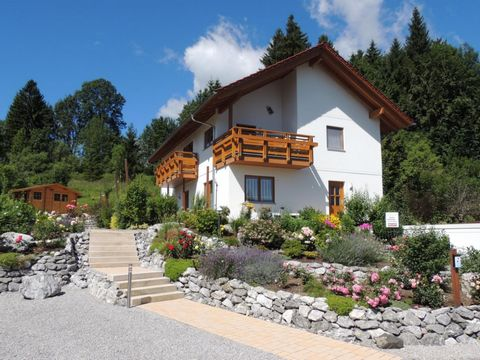 The house is located directly on the Weissensee, surrounded by woods and meadows. We offer ideal conditions for sports enthusiasts, relaxation seekers and families, hikers and to all those who want to relax and unwind on their vacation. The apartment...