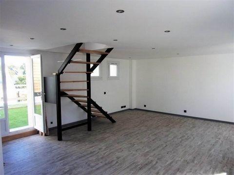 56650 Inzinzac Appartement Dupleix T3 m2 rénové proche du neuf, avec grande terrasse, box et parking public prix 84990€ HAI dont 6,23 % d' honoraires à la charge de l'acquéreur. Prix net vendeur: 80 000€.Situé au 1er étage ce bien est composé d'une v...