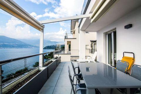 L'appartamento ha una superficie di circa 70 m² e può ospitare quattro a sei persone. La casa si trova al piano terra o al primo o al secondo piano. Il soggiorno ha una cucina aperta e un divano letto matrimoniale. La cucina è completamente attrezzat...