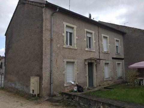 Appartement F2 en rdc de 41.70 m2, à rénover entièrement.Cuisine, séjour, 1 chambre, salle de bains, wc. Les honoraires sont à la charge du vendeur.