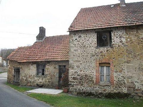 Maison de village à rénover située dans le secteur de ST VAURY comprenant au rez-de-chaussée : pièce à vivre avec cheminée (26m²), chambre (10m²), débarras avec four à pains (26m²) - 1er : palier, deux chambres (14m² et 9m²). 2ème étage : grenier amé...