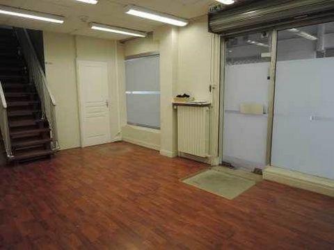 A LOUERA proximité du Quai de la Marne, EVOLIS vous propose à la location 140 m² de bureaux en rez-de-chaussée. Situé au sein d'une résidence sécurisé, ces locaux disposent d'un open-space et de deux bureaux fermés. Deux accès. Locaux ERP.. Immeuble ...
