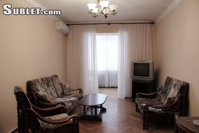 Расположенный в Ереване. Sublet.com Объявление № 2509885.Квартира расположена в центре города. Это займет 5 минут, чтобы добраться до площади Республики, Национальная картинная галерея, Лебединое озеро и Оперного театра от квартиры. Прямо перед здани...